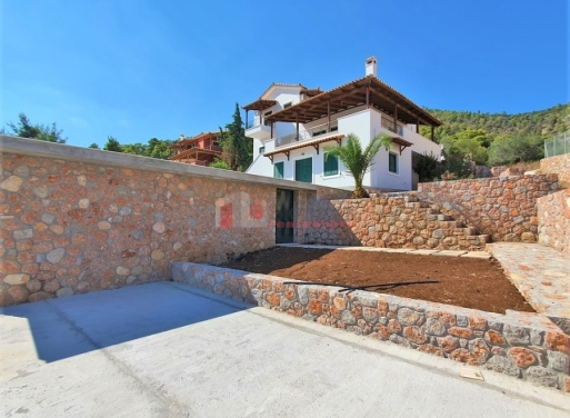 Korfos Einfamilienhaus 300 qm