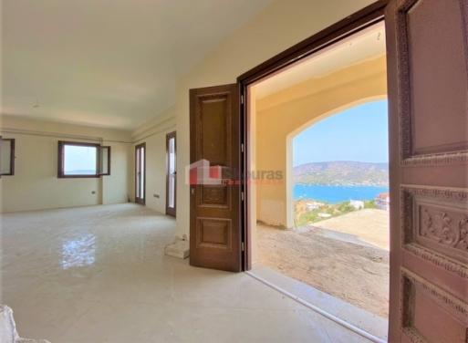 Galatas Einfamilienhaus 442 qm